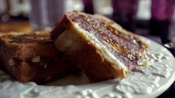strawberry-banana-stuffed-french-toast-recipe.jpg
